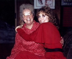 Mom_and_me_christmas_1983