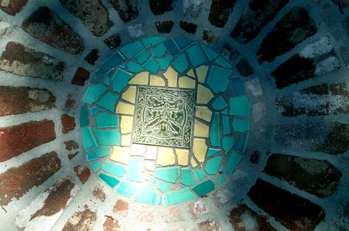 Mosaic_inlaid_stepping_stone