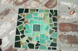 Mosaic_inlaid_stepping_stone_4