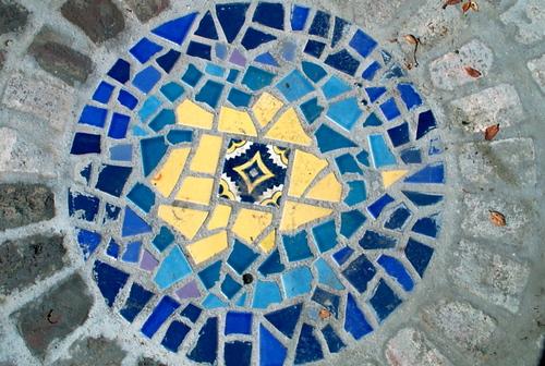 Mosaic_round_stepping_stone